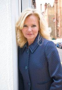 Autora Best-Seller Lucinda Riley vem ao Brasil!